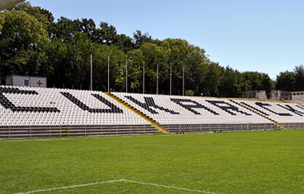 https://plastikgogic.rs/wp-content/uploads/2021/02/Nase-stolice-na-stadionu-FK-Cukaricki-1000x640.png
